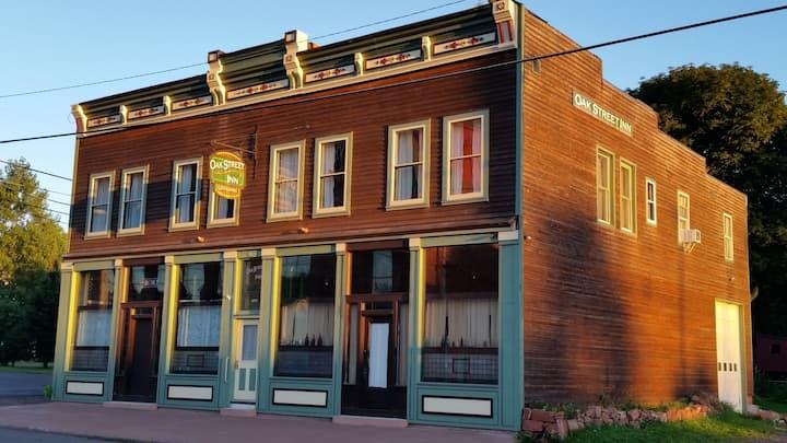 Oak Street Inn - Copper Suite - Calumet, MI