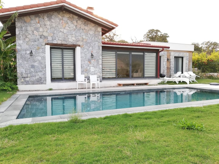 Özel Havuzlu Müstakil Villa.