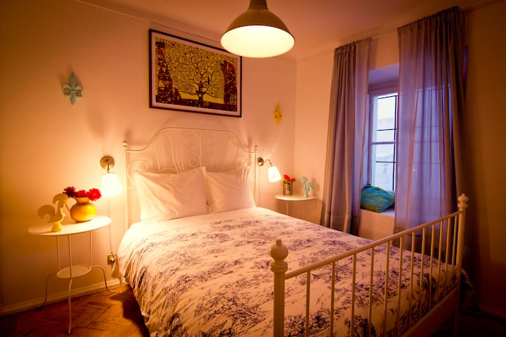 Cascais Boutique Hostel - Room 2 - Cascais - Bed & Breakfast