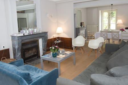 Le Pré Germain : Suite Bussy Rabutin - Beurizot - Vendégház