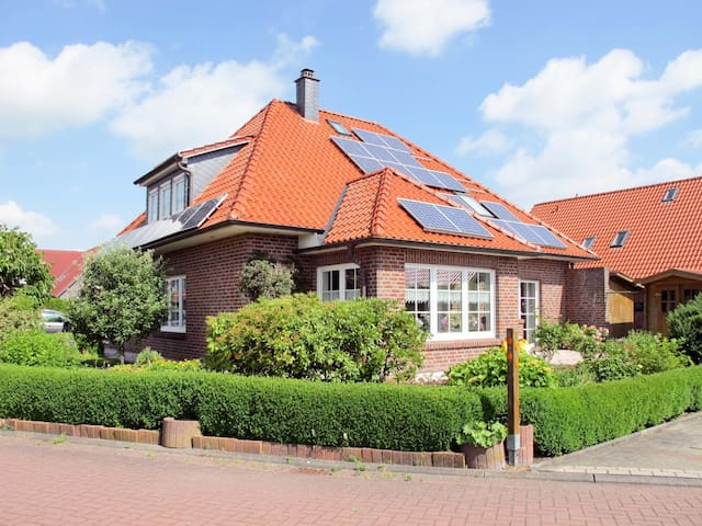 Holiday apartment in Hooksiel, with parking