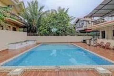Vacker villa med privat pool