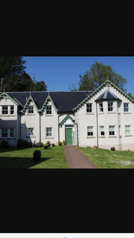 Double room. En suite. Next to loch - Garelochhead  - Apartmen