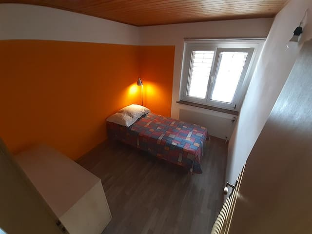 Single bed in Schlieren