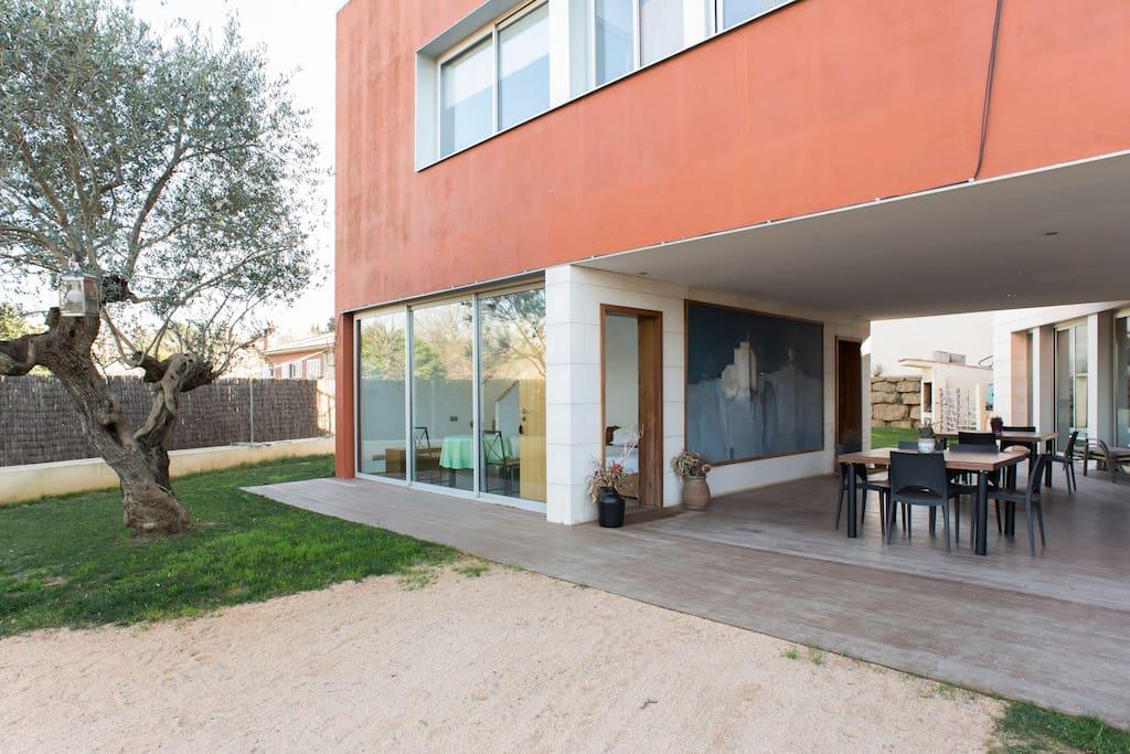 B b studio duplex avec piscine et parking chambres d - Piscines sant cugat ...