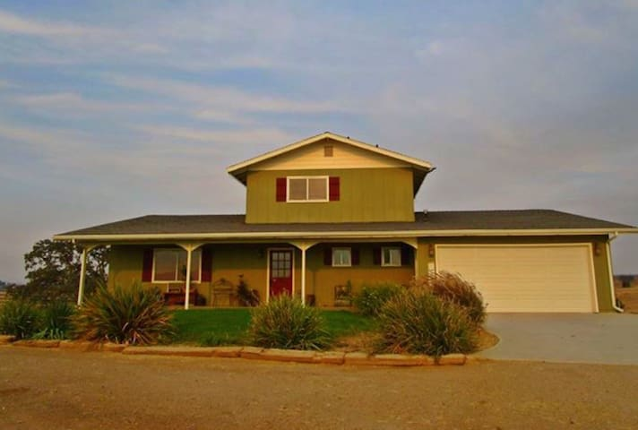Charming home 13 acre horse ranch - Paso Robles - Hus