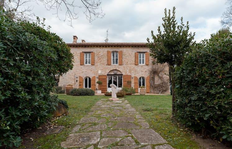 Casale marchigiano vista mare - Fano - Haus