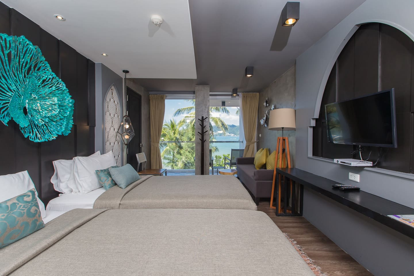 D Superior king or twin with shower n' SEA VIEW :)