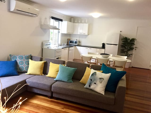 Max 6 people - Relax, wine, dine, shop, play... - Indooroopilly - Apartament