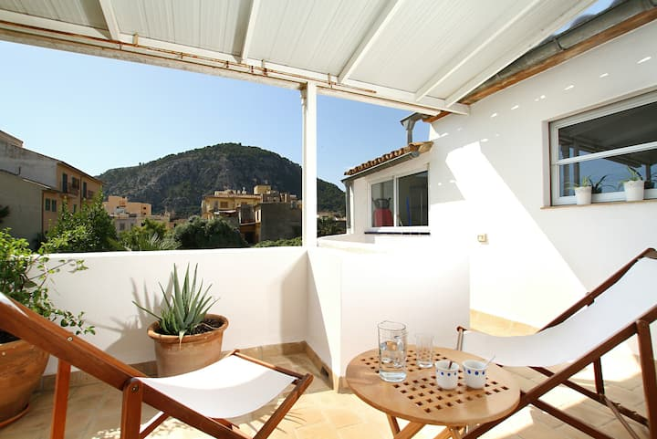 Traditional House With Views Of Tramuntana