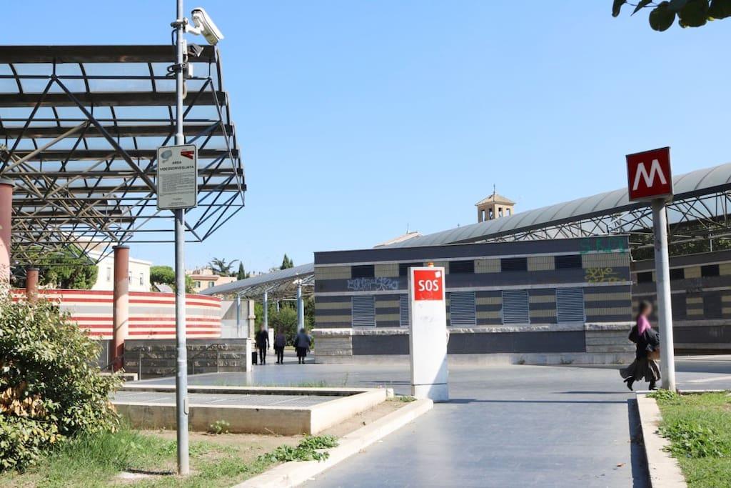 metro stop Cipro