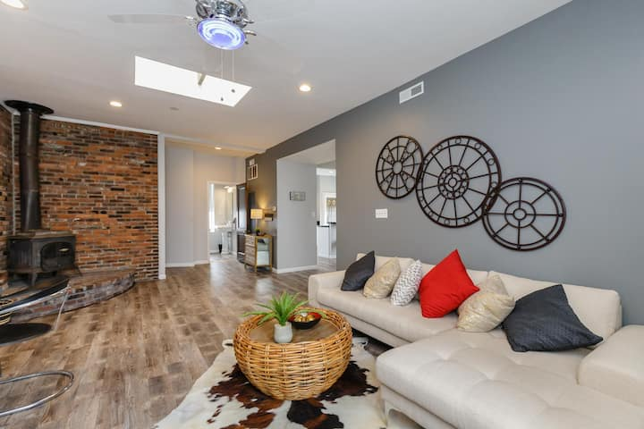 Modern Condo in Center of Soulard— Walk score 87