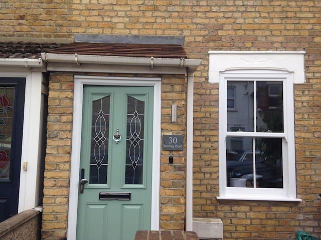 Enfield (EN2). Clean newly refurbished property.