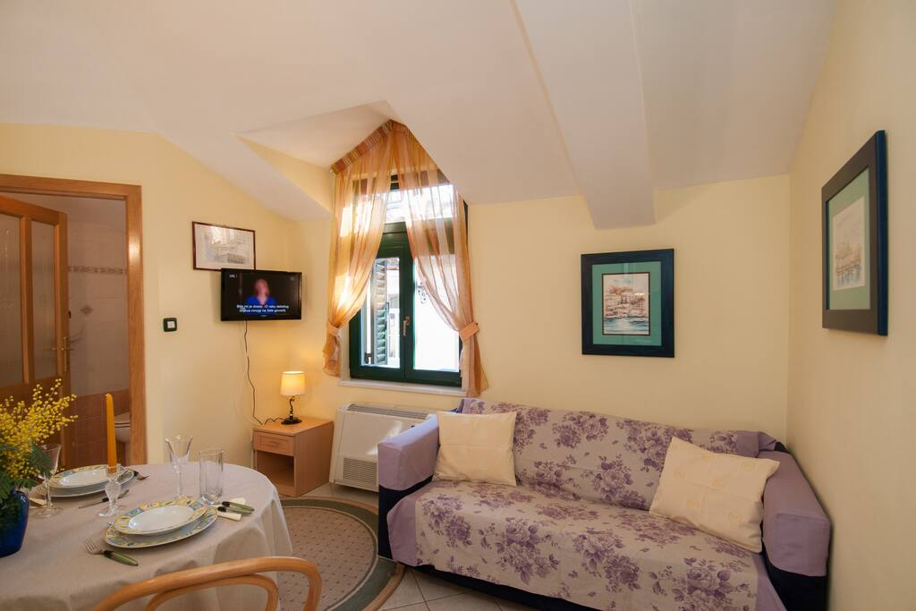 Apartment Bugenvilia, tv area