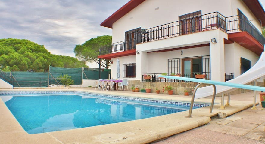 Holiday house with pool, Wifi and parking in Sant Pol de Mar, Costa Barcelona - CM451