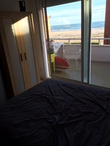 Beach room! - Sitges - Condominium