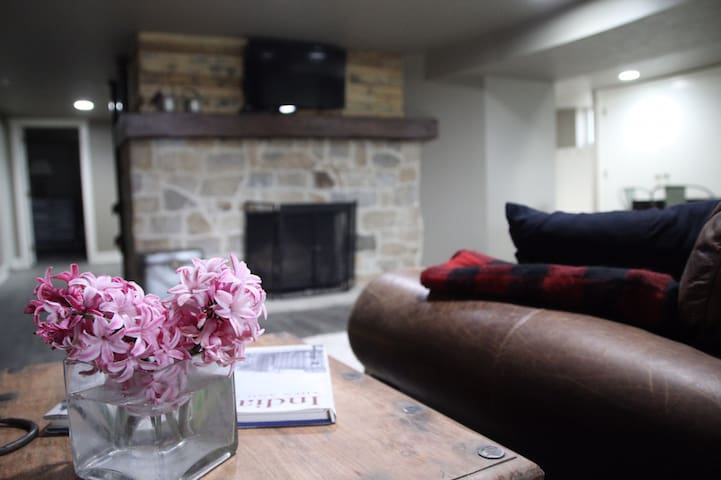 Peaceful Urban Farmstay, 10 Minutes from Downtown!