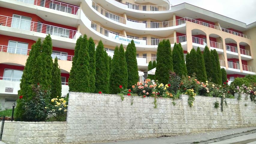 Marina Residence Apartments in Kavarna