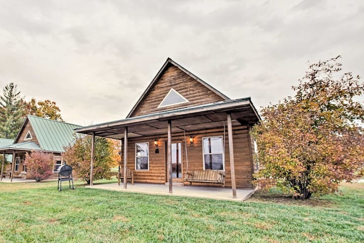 Lakefront Columbia Cabin w/ Dock & Peaceful Views!