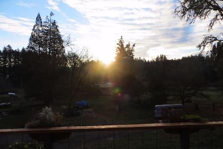 Orchard Retreat - Springfield - Camper/RV