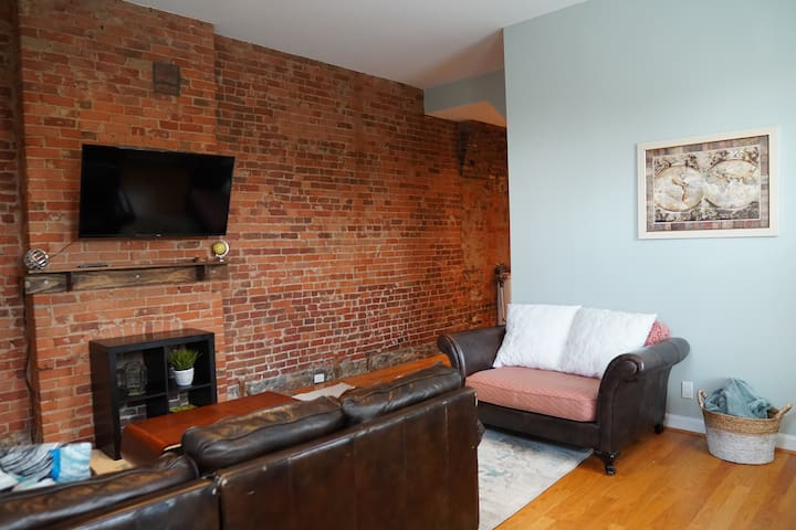 Spacious Modern Condo - Downtown/OTR/Clifton