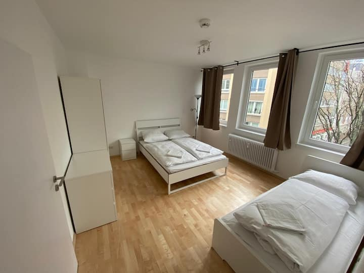 Big 3-Room Apartment In The Heart Of The City