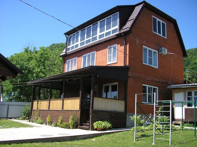 4-х местный номер  доме с прекрасным видом на горы