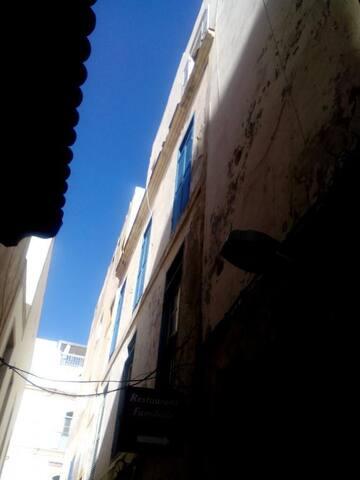 Appartement situé au 3 ème étage d'un immeuble calme
