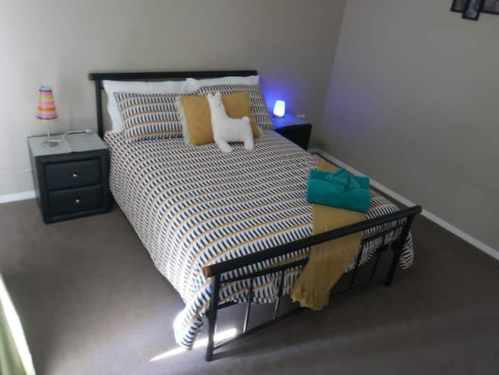 Rocky Downs Farm Stay - Green Room