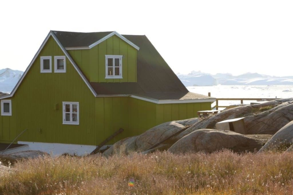 Greenland House With Iceberg View Houses For Rent In