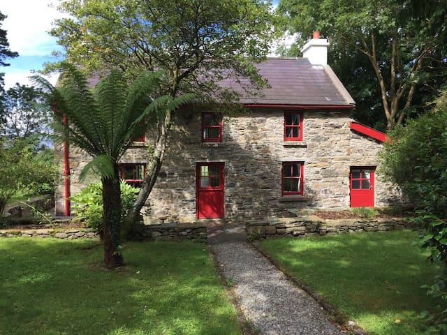 Kenmare Traditional Irish Cottage