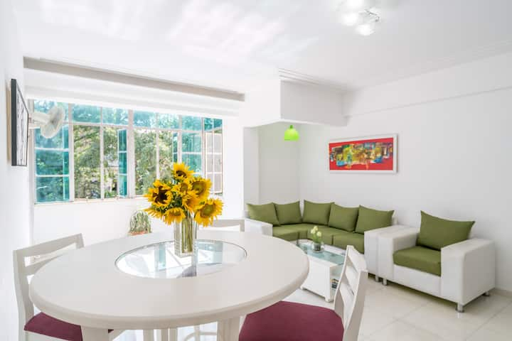 WIFI/ great location! LUXURY APARTMENT 3br/3wc