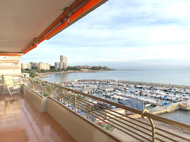 Apartamento primera línea de playa #JGHomeAlicante