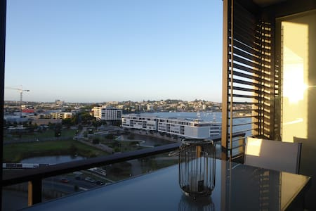 1 Bed Apartment with River View - Newstead