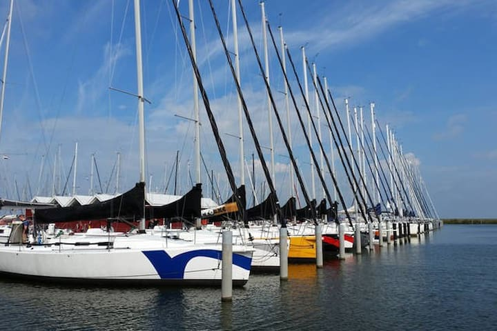Avontuurlijk overnachten op een zeilboot - SILVER - Lelystad - Boat