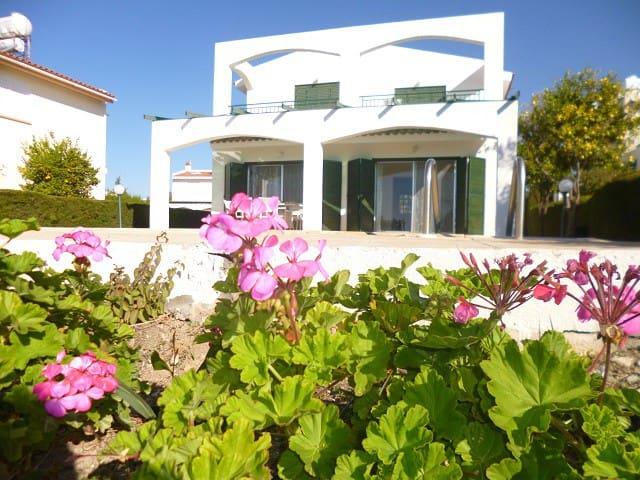 Villa Magnolia, 3 bed - Coral Bay - Peyia