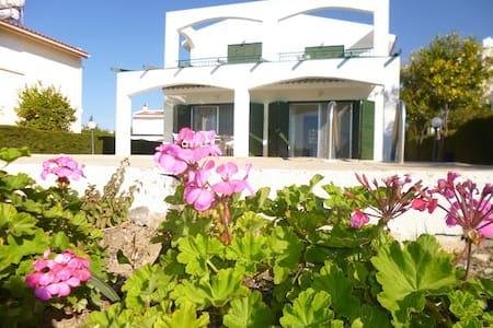Villa Magnolia, 3 bed - Coral Bay - Peyia - Villa