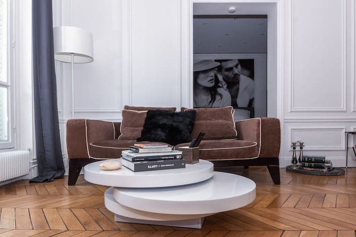 Saint-Honoré Luxury Apartment 3 Bedrooms