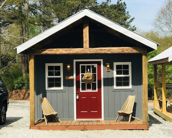 Tinyhouse/cabin#1 min to Lake Hartwell & ClemsonSC