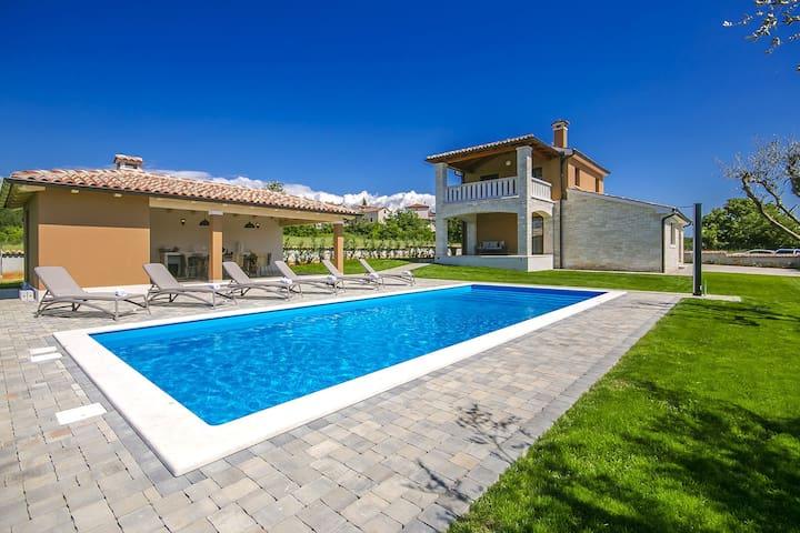 Villa Nata with swimming pool