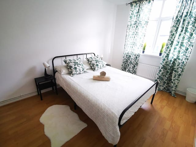 Cosy Room Close To London Fields Station