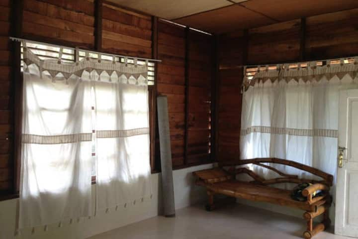 Nina Homestay - Complete two bedroom garden house