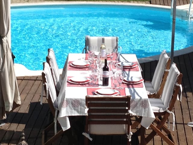 4 Bedroom Villa with Pool, Palmela, 40Km to Lisbon
