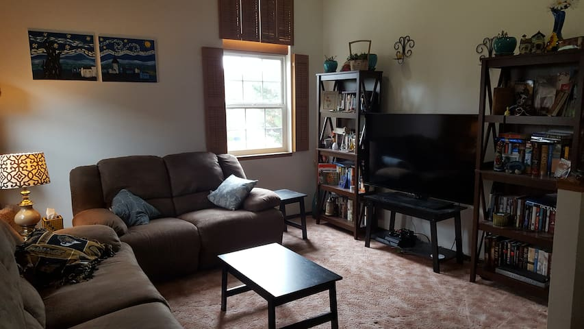 Spokane Duplex Rental 2bd 1ba 1300sqft