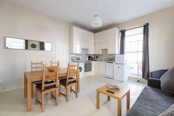 Light and Spacious Flat in Camden - Long Stay