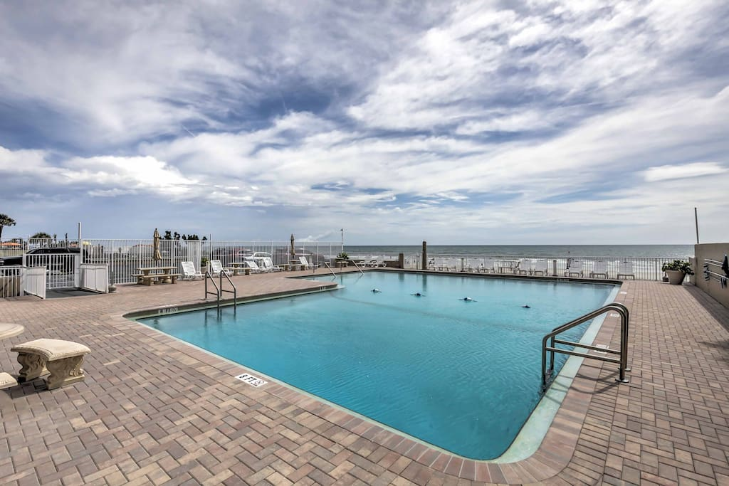 Lounge by the pool, play on the beach, take in a race at the Daytona Speedway, everything is within reach with this ideally located condo.