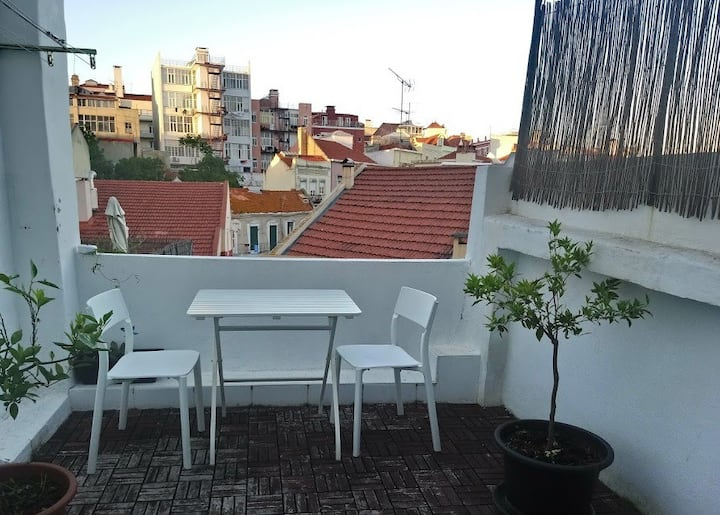 SAFE Terrace in historical neighborhood with view