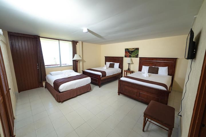 Triple Room with Sea View at Hotel El Guajataca