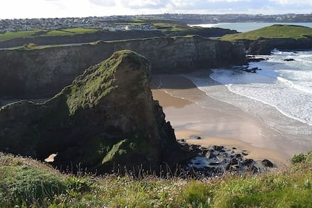 Amazing  Modern Apartment - Steps To The Beach - Newquay