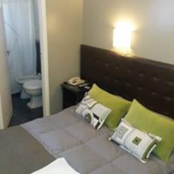 Habitación Quíntuple (matrimonial+ 3 camas) Centro